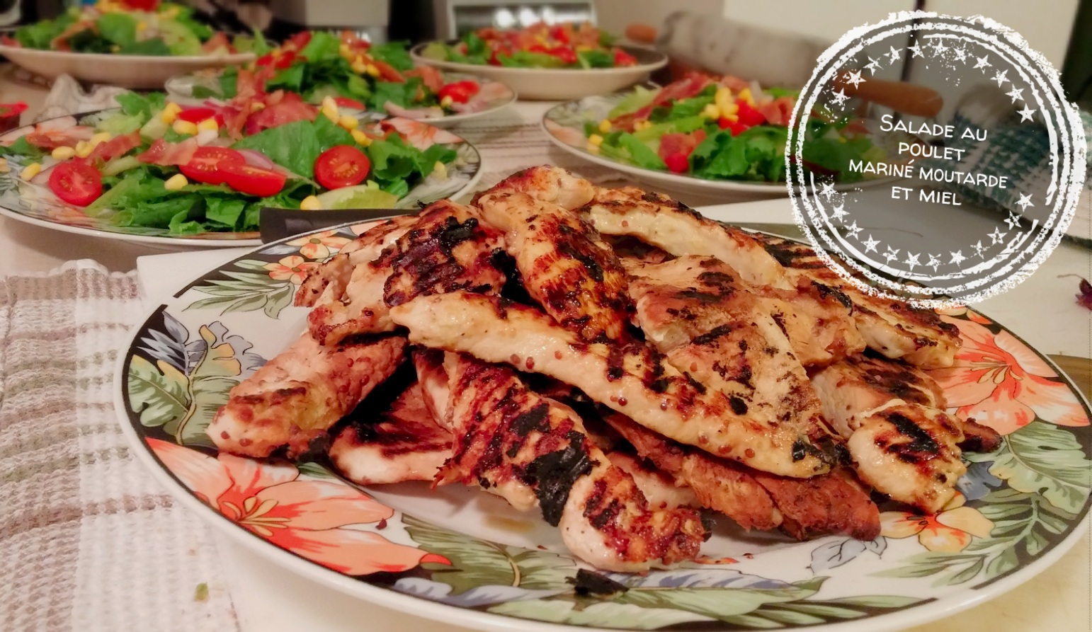 Salade au poulet mariné moutarde et miel - Auboutdelalangue.com